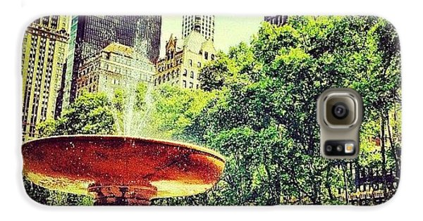 City Galaxy S6 Case - Summer In Bryant Park by Luke Kingma