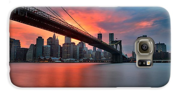 Sunset Over Manhattan Galaxy S6 Case by Larry Marshall