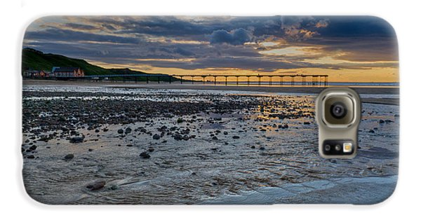 Sunset With Saltburn Pier Galaxy S6 Case by Gary Eason