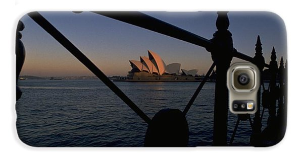 Galaxy S6 Case featuring the photograph Sydney Opera House by Travel Pics