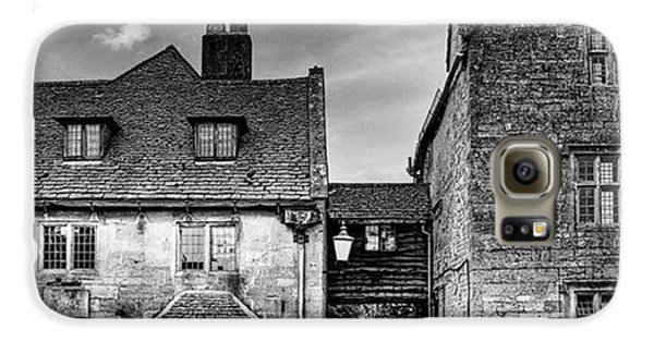 Galaxy S6 Case - The Lygon Arms, Broadway by John Edwards