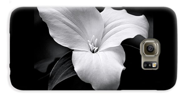 Galaxy S6 Case featuring the photograph Trillium Black And White by Christina Rollo