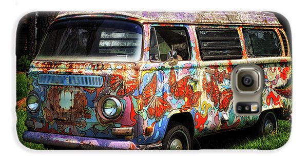 Galaxy S6 Case featuring the photograph Vw Psychedelic Microbus by Bill Swartwout Fine Art Photography