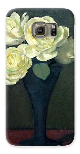 Four White Roses In Trumpet Vase Galaxy S6 Case