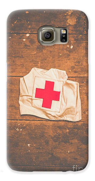 Doctor Galaxy S6 Case - Ww2 Nurse Cap Lying On Wooden Floor by Jorgo Photography - Wall Art Gallery