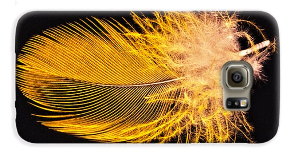 Yellow Feather Macro Galaxy S6 Case