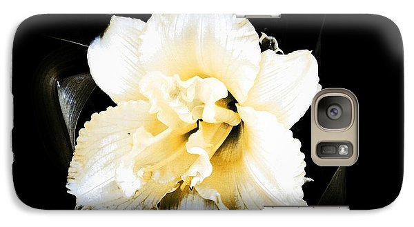 Galaxy Case featuring the photograph  Daylily by Michelle Frizzell-Thompson