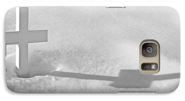 Galaxy Case featuring the photograph The Grave Of Bobby Kennedy by Cora Wandel