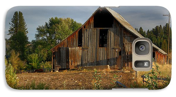 Galaxy Case featuring the photograph Yourn Barn by Sam Rosen