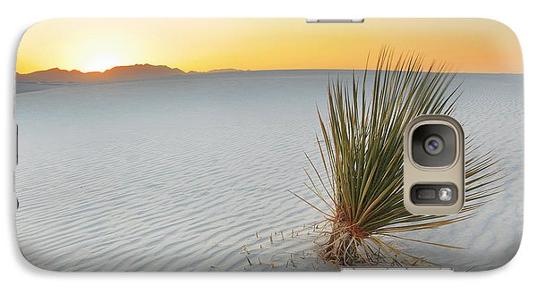 Galaxy Case featuring the photograph Yucca Plant At White Sands by Alan Vance Ley