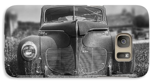 Pasture Galaxy S7 Case - 1940 Desoto Deluxe Black And White by Scott Norris
