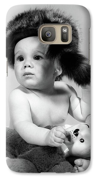 1960s Baby Wearing Coonskin Hat Galaxy S7 Case