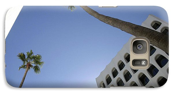 Galaxy Case featuring the photograph Looking Up In Beverly Hills by Cora Wandel