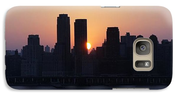 Galaxy Case featuring the photograph Morning On The Hudson by Lilliana Mendez