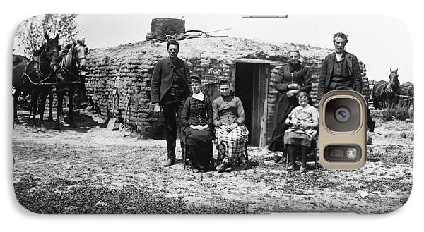 Galaxy Case featuring the photograph Nebraska Settlers, 1887 by Granger