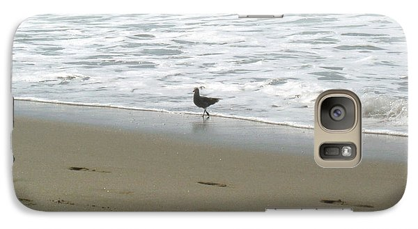 Galaxy Case featuring the pyrography A Seagull Playing With Waves by Hiroko Sakai