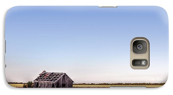 Abandoned Farmhouse In A Field Galaxy S7 Case