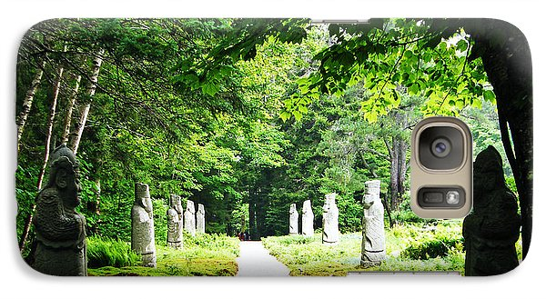 Galaxy Case featuring the photograph Abby Aldrich Rockefeller Path Statuary by Lizi Beard-Ward