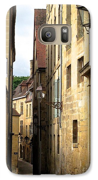 Galaxy Case featuring the photograph Alleys Of Sarlat by Suzanne Oesterling