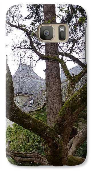 Galaxy Case featuring the photograph Ancient Tree At Chateau De Chenonceau by Susan Alvaro