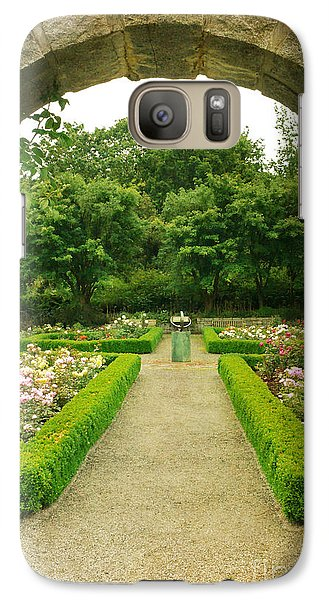 Galaxy Case featuring the photograph Arch To The Rose Garden by Maria Janicki