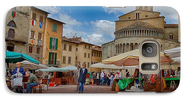 Galaxy Case featuring the photograph Arezzo Market Day by Uri Baruch