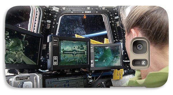 Astronaut Galaxy S7 Case - Astronaut In Iss Robotics Workstation by Nasa