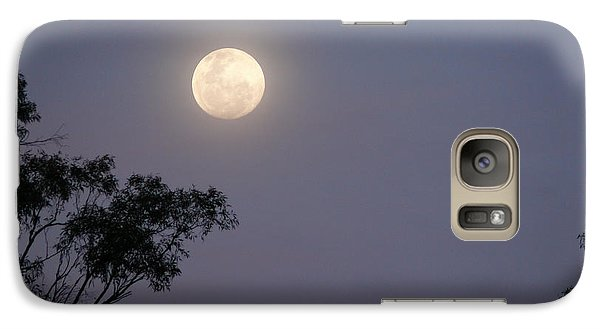 Galaxy Case featuring the photograph August Moon by Evelyn Tambour