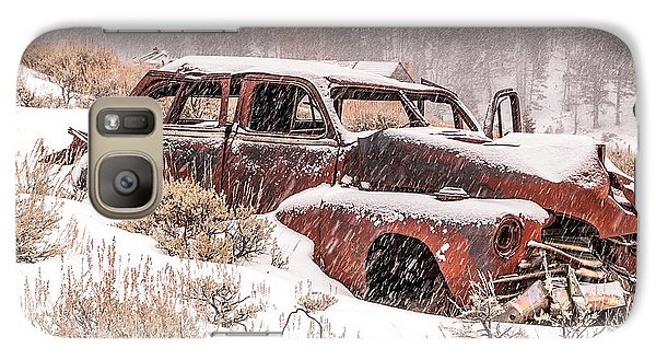 Galaxy Case featuring the photograph Auto In Snowstorm by Sue Smith