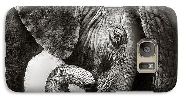 Baby Elephant Seeking Comfort Galaxy S7 Case by Johan Swanepoel