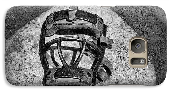 Baseball Catchers Mask Vintage In Black And White Galaxy S7 Case by Paul Ward