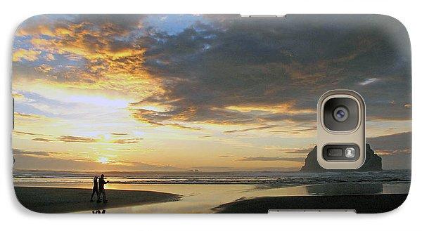Galaxy Case featuring the photograph Bandon Beach Stroll by Suzy Piatt