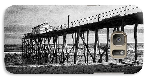 Galaxy Case featuring the photograph Belmar Fishing Pier In Black And White by Debra Fedchin