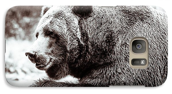 Galaxy Case featuring the photograph Bird And A Bear In Black And White by Wade Brooks