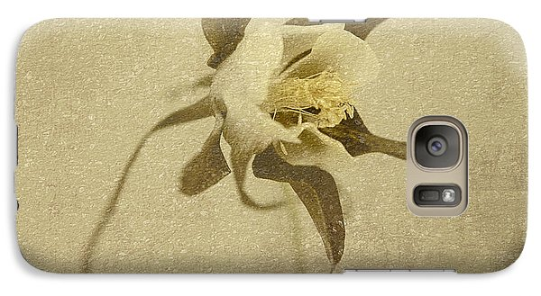 Galaxy Case featuring the photograph Bloom Rustica by Linda Olsen