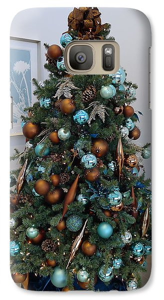 Galaxy Case featuring the photograph Blue And Gold Xmas Tree by Richard Reeve