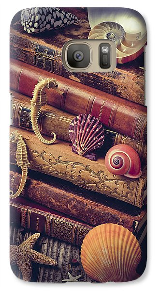 Books And Sea Shells Galaxy S7 Case by Garry Gay