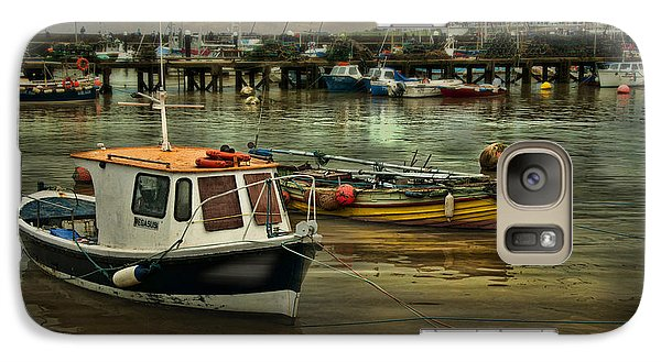 Galaxy Case featuring the photograph Bridlington Reflections by Brian Tarr