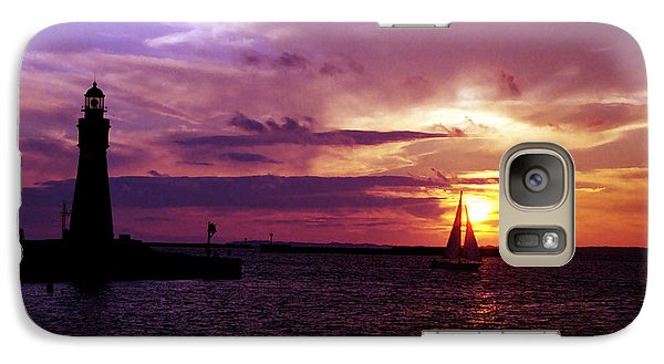 Galaxy Case featuring the photograph Buffalo Main Lighthouse by Tom Brickhouse