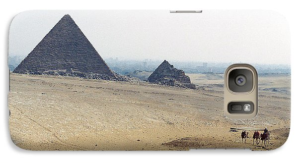 Galaxy Case featuring the photograph Camels At Giza by Cassandra Buckley