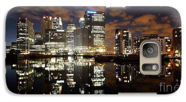 Galaxy Case featuring the photograph Canary Wharf London by Mariusz Czajkowski