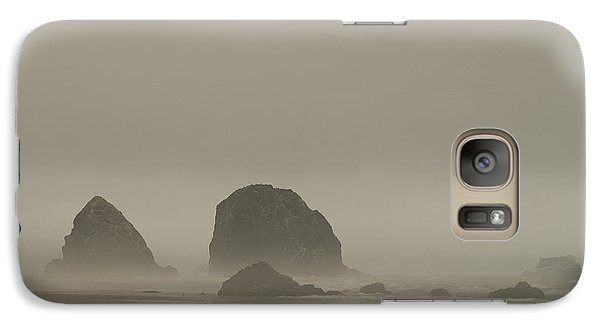 Cannon Beach In A Fog Oregon Galaxy S7 Case
