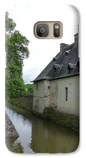 Galaxy Case featuring the photograph Caretaker Cottage On The Canal At Chenonceau by Susan Alvaro