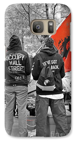 Galaxy Case featuring the photograph Che At Occupy Wall Street by Lilliana Mendez