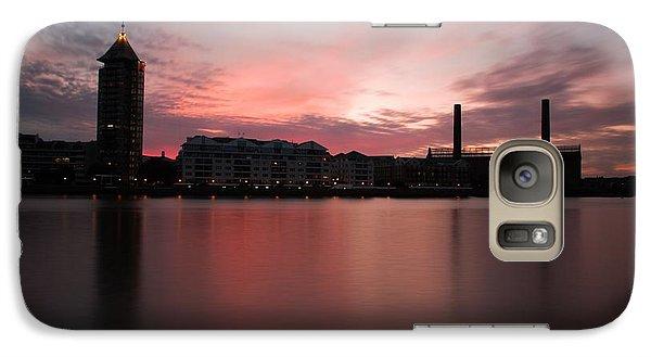 Galaxy Case featuring the photograph Chelsea Harbour 2 by Mariusz Czajkowski
