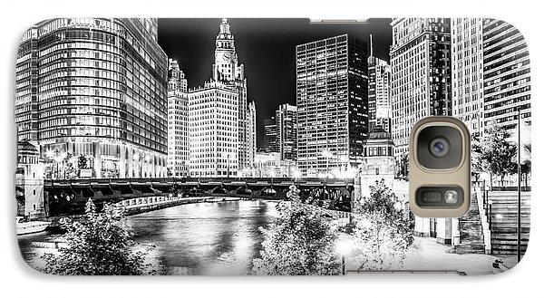 Chicago River Buildings At Night In Black And White Galaxy S7 Case