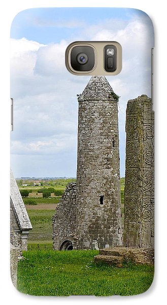 Galaxy Case featuring the photograph Clonmacnoise Towers by Suzanne Oesterling