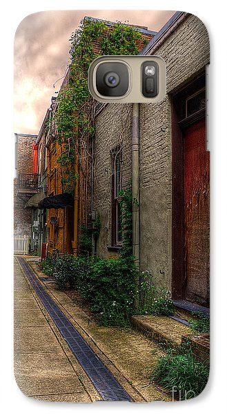 Galaxy Case featuring the photograph Coggin's Alley Way by Maddalena McDonald
