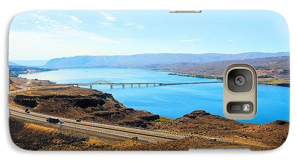 Galaxy Case featuring the photograph Columbia River From Overlook by Janette Boyd