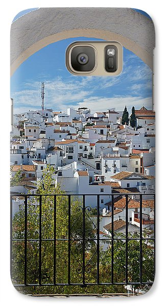 Galaxy Case featuring the photograph Comares Arch by Rod Jones